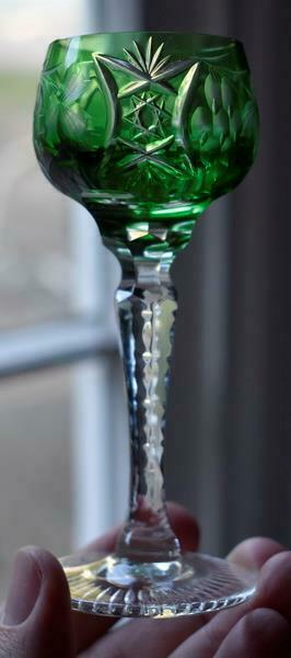 LOVELY EMERALD GREEN CZECH CUT-TO-CLEAR GRAPES MOTIF ZIPPER STEM CORDIAL HAVE 5