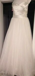 Alfred sung wedding gown size 6-8 dress size  Peterborough Peterborough Area image 4