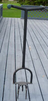 GARDEN CLAW FOR TILLING AND WEED CONTROL