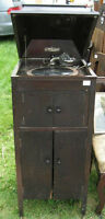 Antique Phonola hand crank phonograph playwr