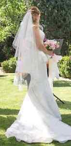Wedding dress,Veil,Peplum. Purple Fox design from Spurling Bridal Hillbank Playford Area Preview