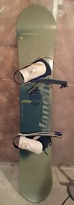 Avalanche Snowboard with boots and bindings