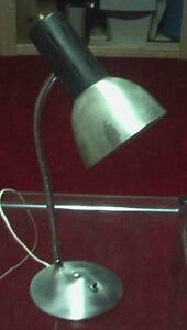 Flex light with clip... Firmly clips onto the table or bed West Island Greater Montréal image 7