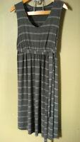 Thyme Maternity Dress Size M / Robe de maternité Taille M