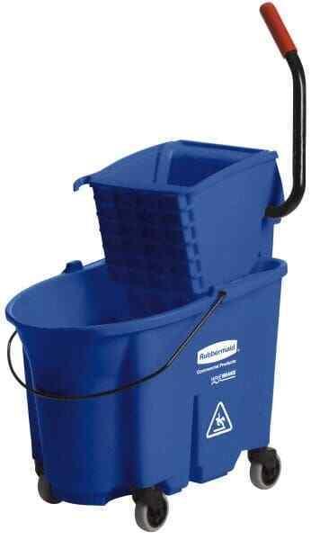 Rubbermaid 35 Qt Plastic Bucket & Wringer