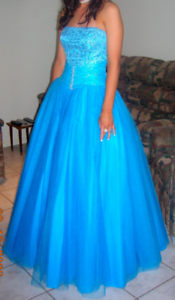 Hills in Hollywood ballgown/ formal dress Wavell Heights Brisbane North East Preview