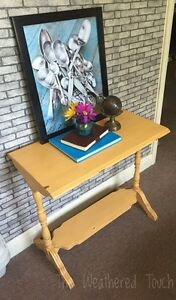 Sofa/entry  table  Kitchener / Waterloo Kitchener Area image 1