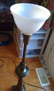 A pairs of floor lamp Windsor Region Ontario image 3
