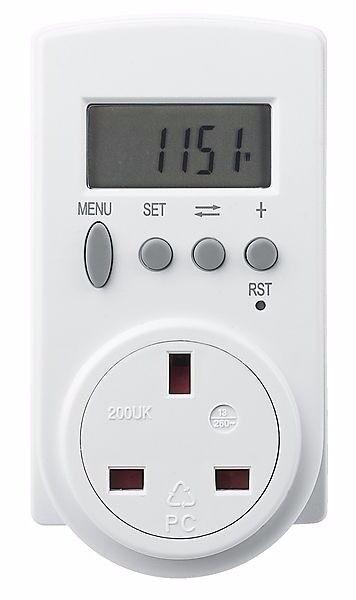 New Power Meter Energy Monitor Plug-in KWH Watt Electricity Meter UK