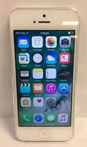 APPLE IPHONE 5 16GB SILVER/WHITE Lawnton Pine Rivers Area Preview
