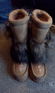 Size 7 and 8 Womens/teens Faux Fur Moccasin Boots **Brand-New!**