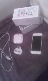 iPhone 5s gold 16gb 02-giffgaff (like NEW!)