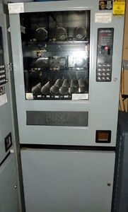 Vending machine for dry goods - excellent condition, clean