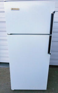 Westinghouse Apartment Size Fridge - Very Good Condition