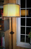 Lampe sur pied ancienne à vendre