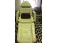 Massage bed £100 ONO