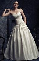 Paloma Blanca Wedding Dress size 10 Floor sample dress