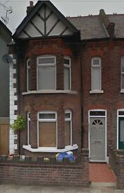 Lovely Victorian 3 bedroom House off old Bedford Road