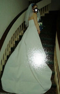 Size bridal 12 strapless wedding dress with shawl and train
