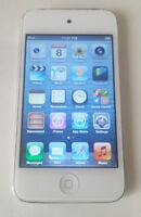 Ipod Touch 4th Gen 16 GB White + Charger