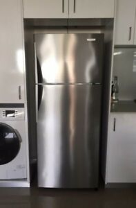 Westinghouse 390L Stainless Refrigerator