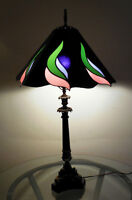 BEAUTIFUL VINTAGE GLASS STAINED LAMP 32 INCHES TALL