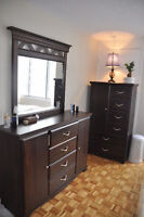 WOODEN Queen bedroom set Brault &Martineau - $ 700