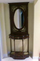 BOMBAY CO. WOODEN FRONT HALL STAND