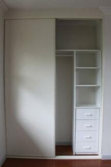 Built in wardrobe sliding doors made to measure up to for Sliding glass doors gumtree