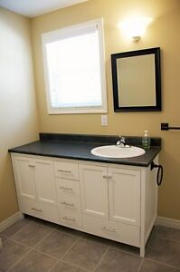 Best Places to View!-2 BR/Den/1 Bath-Mature Working Cpl/SmDog OK