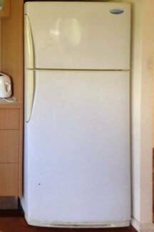 excellent 390L Westinghouse Fridge Freezer CAN DELIVERY Box Hill Whitehorse Area Preview