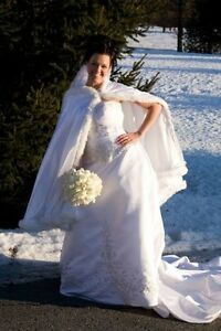 Silver Beaded White Wedding Dress - new price!!! Gatineau Ottawa / Gatineau Area image 4