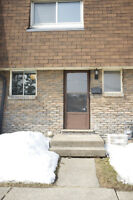 3 BEDROOM TOWNHOUSE - WELLAND