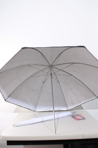 "Used Studio Lighting Umbrella Kit w/ (1) White 40"" (1) Black 36"""