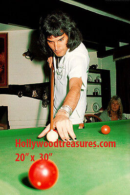 "Freddie Mercury~Queen~Billiards~Shooting Pool~Playing Pool~Photo~Poster 20""x 30"""