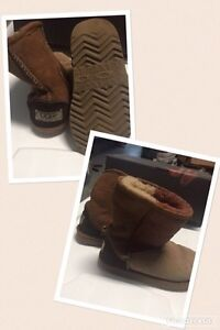 Uggs boots size 12 for kids West Island Greater Montréal image 1