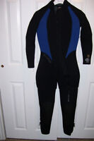 Bare 7 mm, Size 8 Womens westsuit