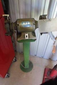 Two wheel bench Grinder with bolt down stand Dubbo Dubbo Area Preview