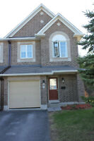 Gorgeous End Unit T-Home ** 3 Bed / 3 Bath and No Rear Neighbour