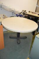 table ronde de cuisine ou autre 47'' diamètre