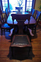 Solid Oak Antique table with 6+1 Press-back chairs!