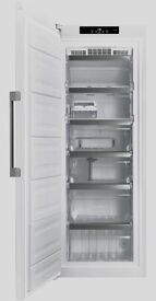 //(%)\ HOTPOINT TALL WHITE UPRIGHT FREEZER INCLUDES 6 MONTHS GUARANTEE