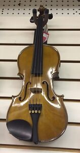 VIOLA  -- 1/2 Size with case and bow