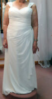 Beautiful Chiffon Wedding Dress - NEVER Worn