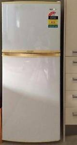 excellent SAMSUNG 220L Fridge Freezer CAN DELIVERY Box Hill Whitehorse Area Preview