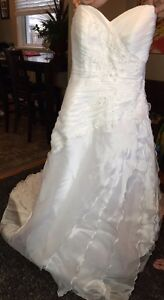 Size 4 wedding dress / dry cleaned