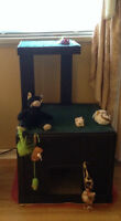 Cat & Peppy dog house for sale