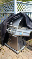 $40 or best offer: BBQ and Cover
