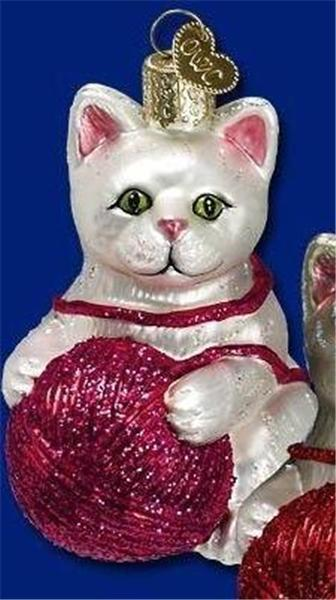 WHITE PLAYFUL KITTEN CAT KITTY YARN OLD WORLD CHRISTMAS GLASS ORNAMENT NWT 12170