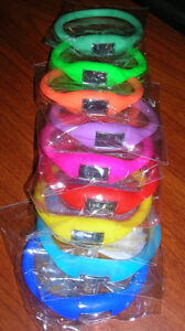 Bracelet montre sports en silicone, 12 couleurs.